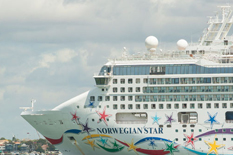 Norwegian Star departs Melbourne